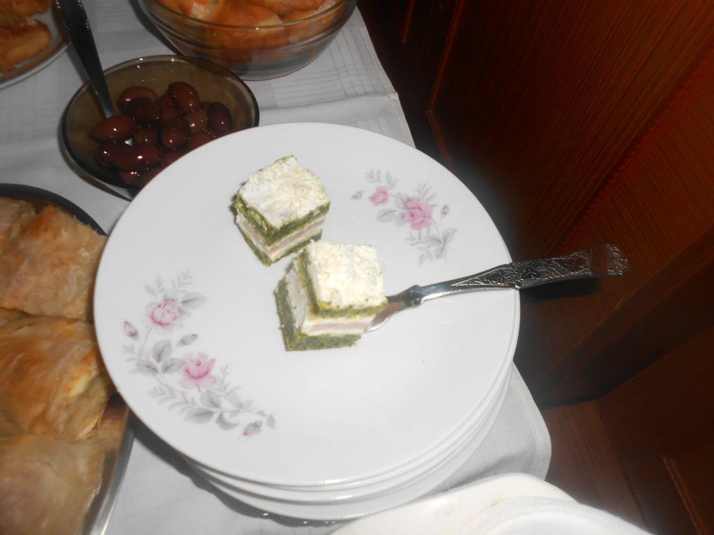 Korica sa spanaćem, fil od šunke i sira